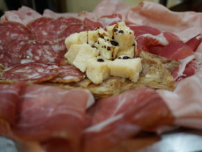 Best selection of cured meat and parmigiano for our aperitivo in Bologna
